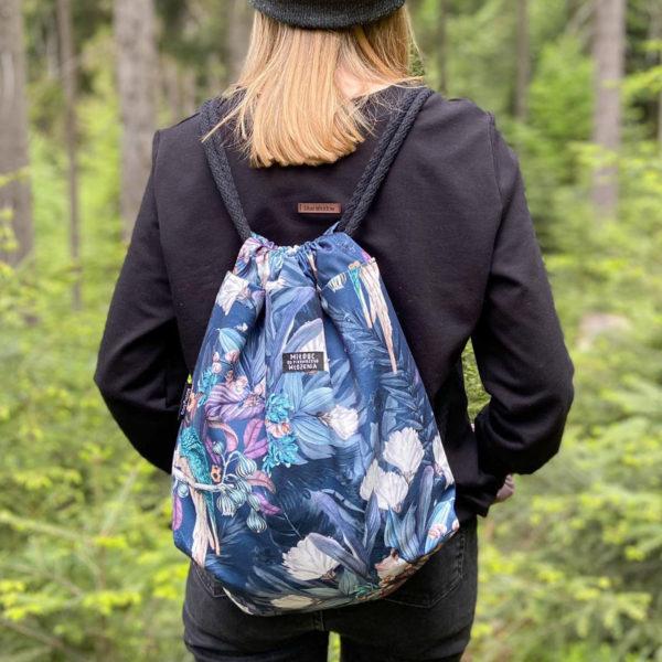 Welurowy plecak worek kwiaty