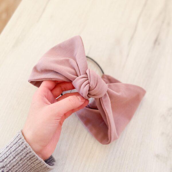 Opaska do włosów z węzłem róż