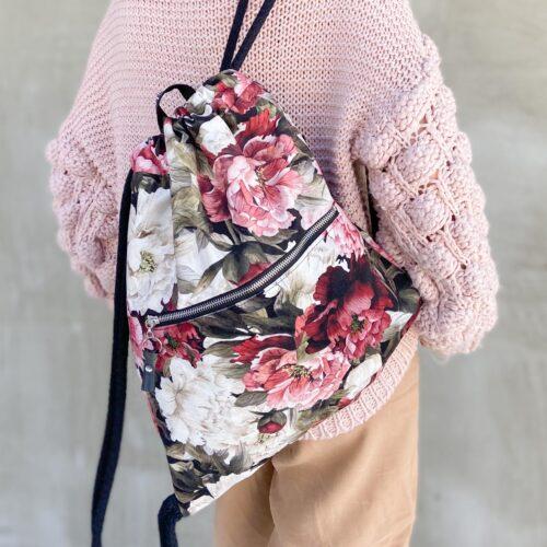 Welurowy plecak worek premium piwonie